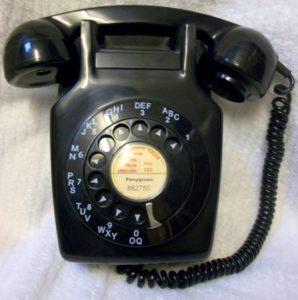 Black 711 telephone